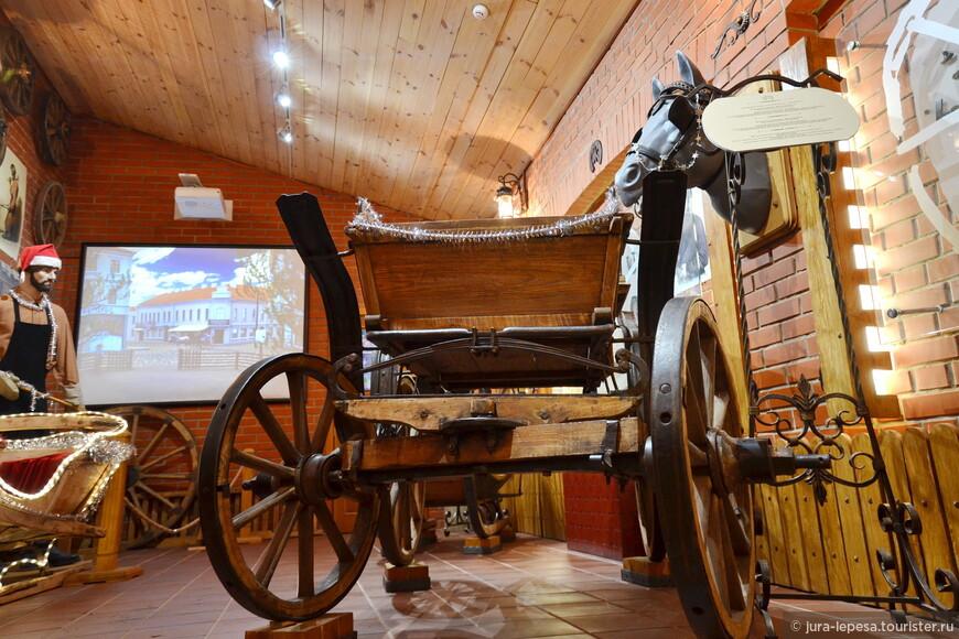 В музее более 100 различных экспонатов.Сам музей совсем небольшой и осмотреть экспонаты не спеша можно минут за тридцать.
