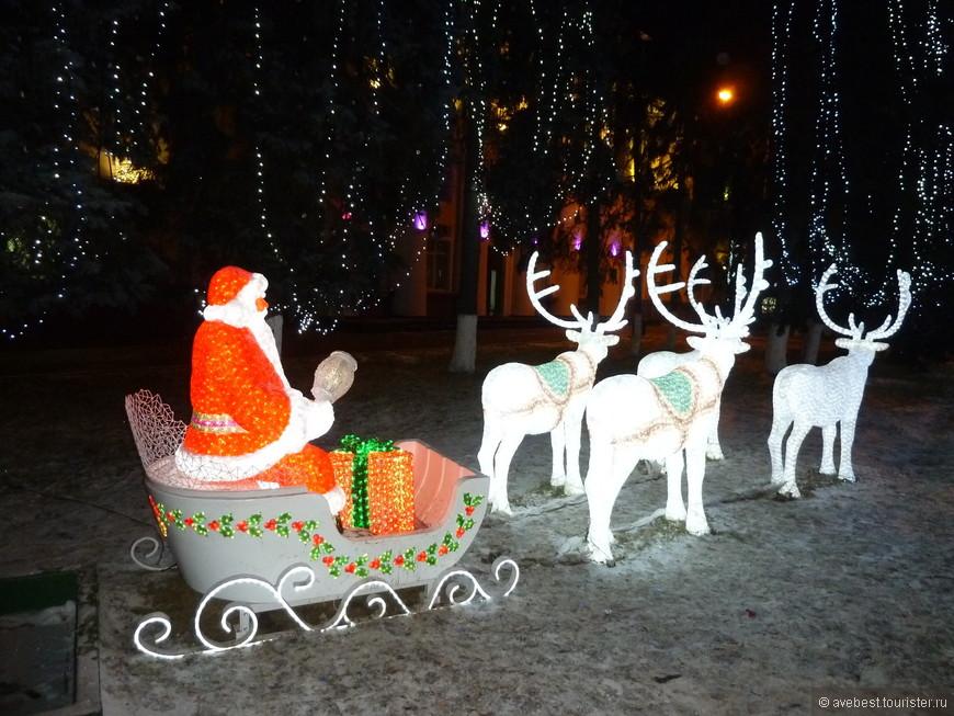 Дед Мороз везёт подарки.