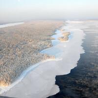 Несмотря на дикий мороз, льды только у берега, чуть дальше Онега так и не замерзла