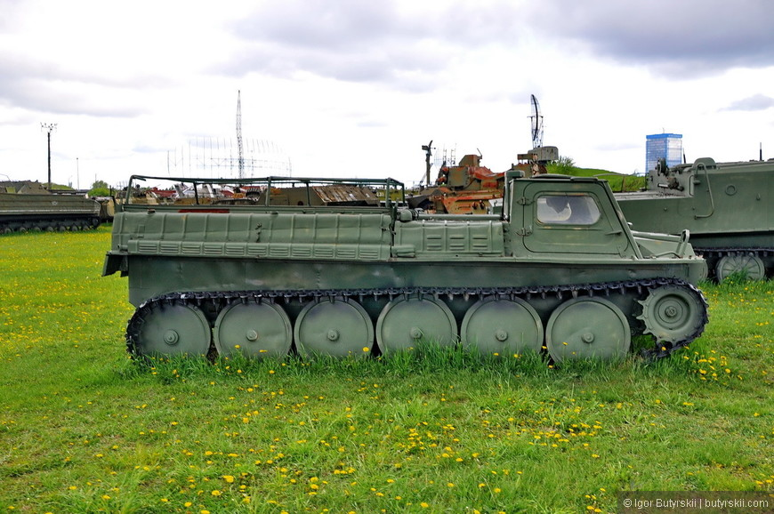 ГТ-СМ (ГАЗ-71) — гусеничный транспортёр-снегоболотоход модернизированный