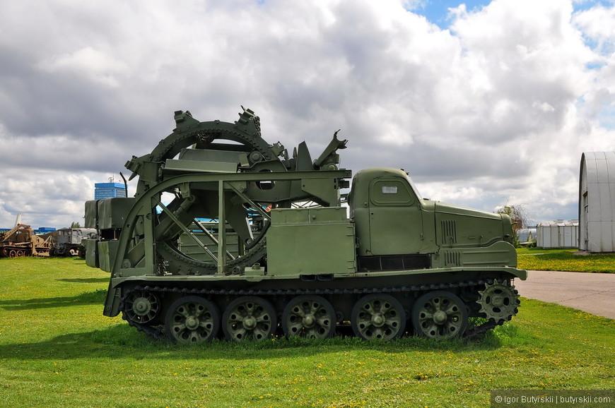 Быстроходная траншейная машина - БТМ-3