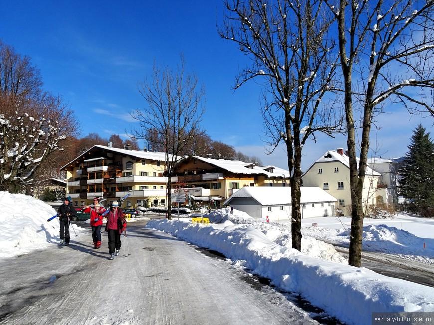 Лыжников и сноубордистов очень мало. Все-таки склоны не очень удобны для катания