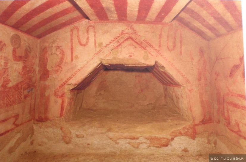 Tomba Della Polcella.JPG