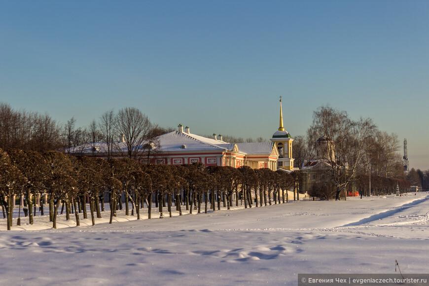А после революции все имущество Шереметьевых экспроприируется, чудом удалось сохранить имение, придав ему статус музея.
