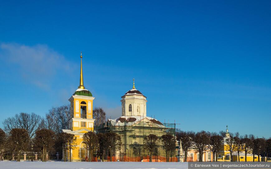 Церковь Спаса Всемилостивого (1737—1739) и колокольня