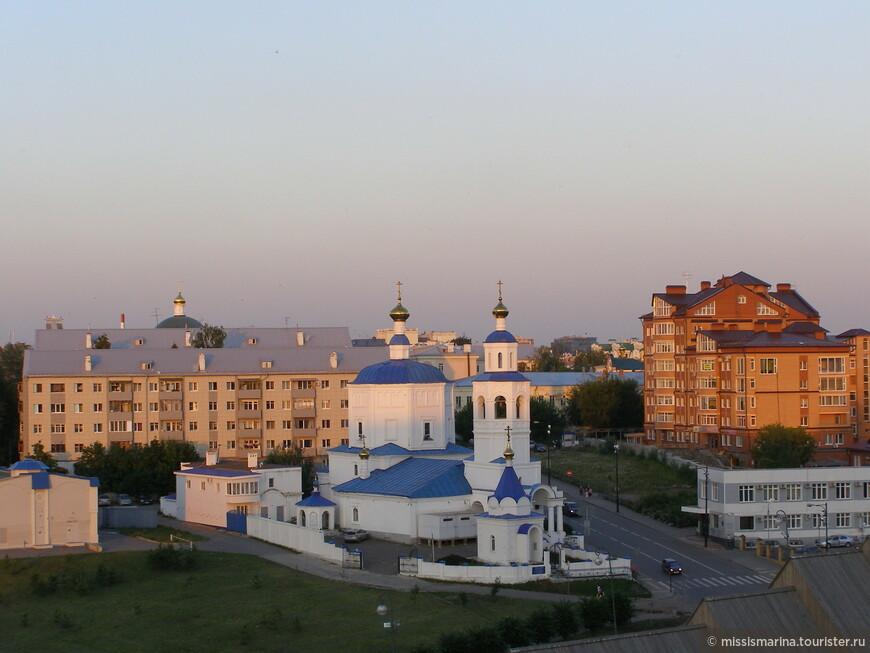 Вид сверху на православный храм