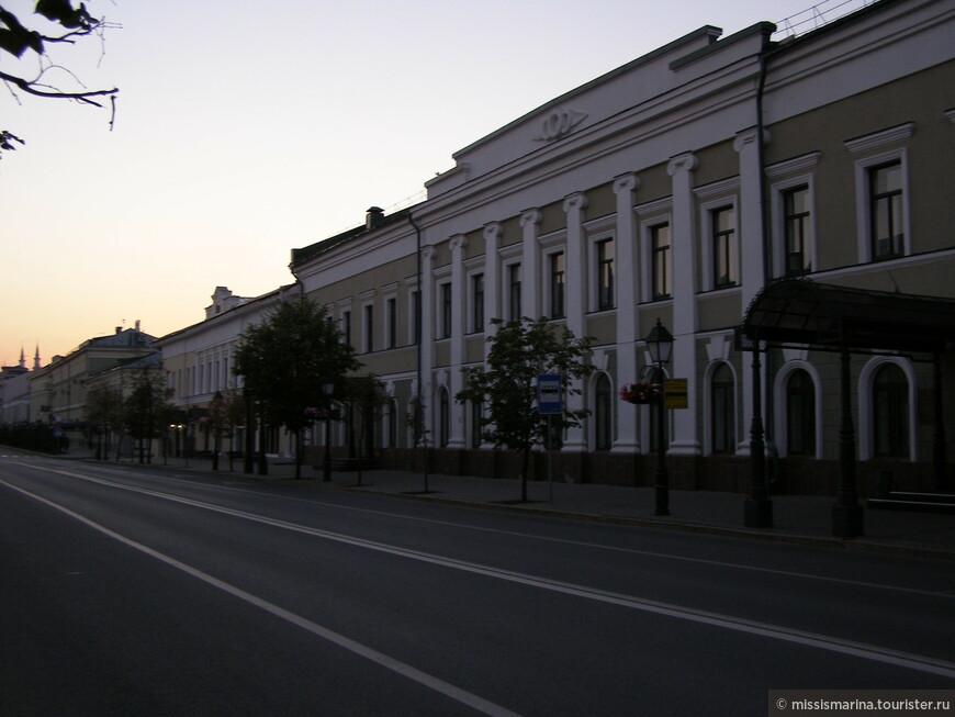 Казань красива в любое время суток: и днем, и вечером. Жаль, на все не хватило времени. Два дня пролетели как миг.