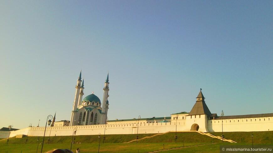 """На следующий день  мы запланировали посещение историко-архитектурного комплекса """"Казанский Кремль"""", который в 2000 году был включен в Список всемирного культурного и природного наследия ЮНЕСКО."""