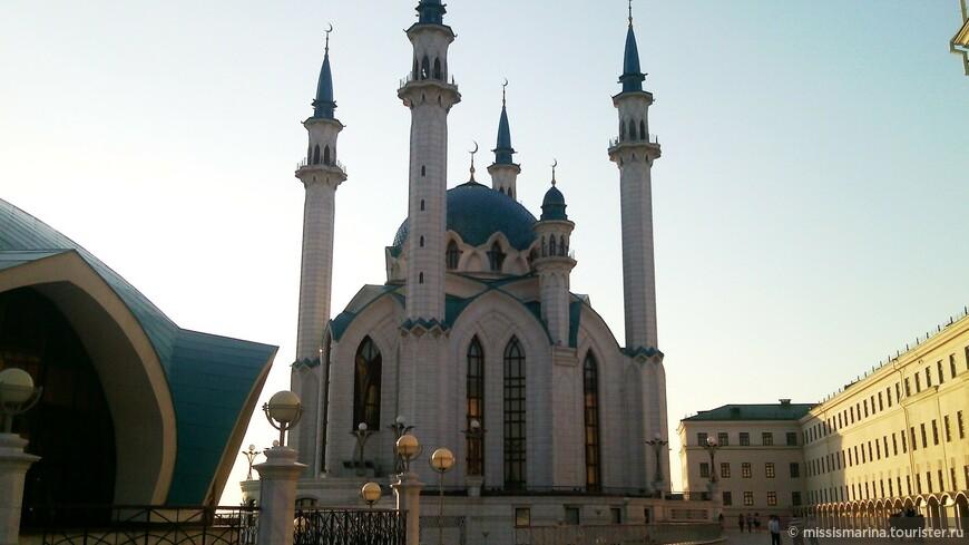 Кул - Шариф - это главнейшая мусульманская мечеть в республике, достояние Татарстана .