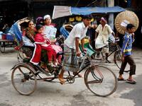 Едем по Дакке
