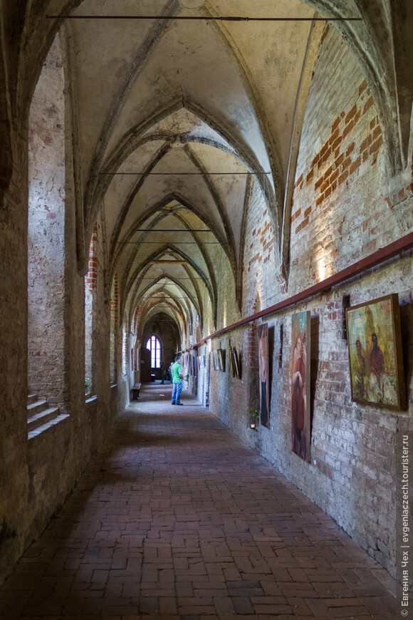 Монастырская галерея