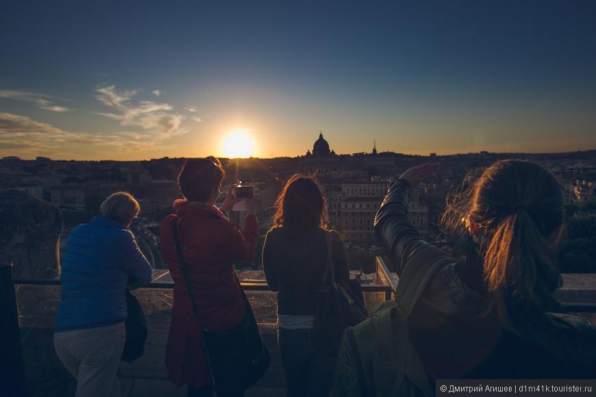 Вид со смотровой площадки замка Святого Ангела на Ватикан