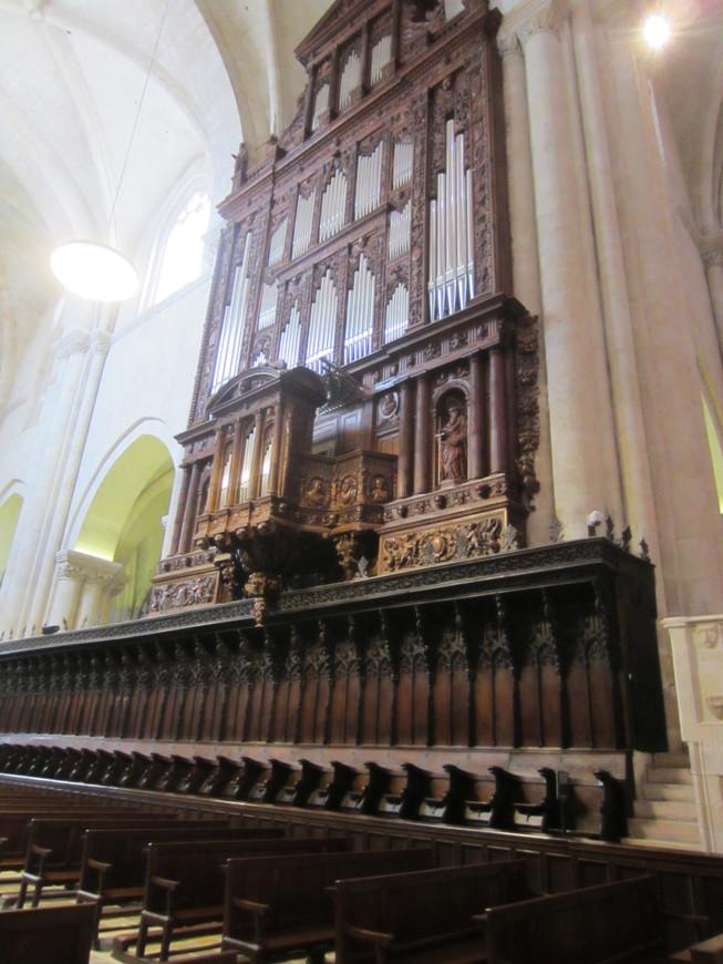 Знаменитый орган собора, жалко не довелось его услышать.