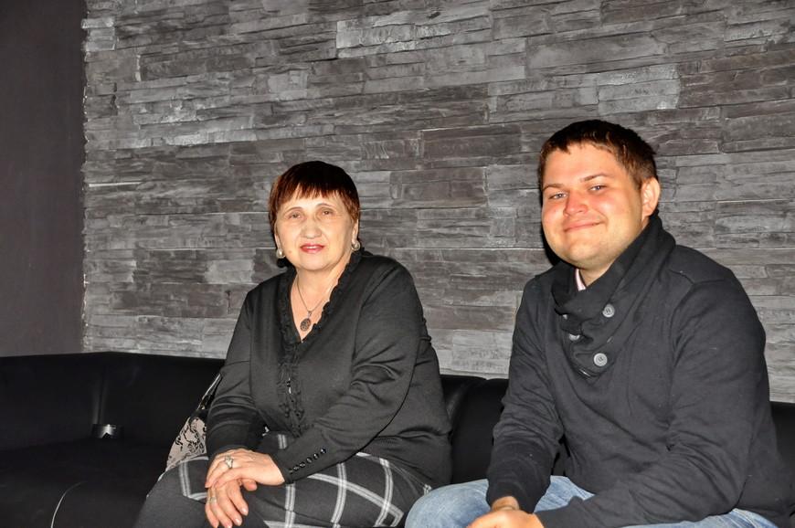 """02. Знакомьтесь, если кто не знал, - <noindex><a href=""""https://www.tourister.ru/go?url=http://anna-08.tourister.ru/"""" class=""""ext_link"""" target=""""_blank""""><strong>Анна Кудрявцева (Anna-08)</strong></a></noindex> и <noindex><a href=""""https://www.tourister.ru/go?url=http://den-ekb.tourister.ru/"""" class=""""ext_link"""" target=""""_blank""""><strong>Денис Миронов (den-ekb)</strong></a></noindex>. Прошу любить и жаловать!"""