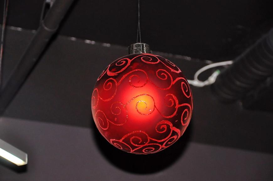 34. Отличное новогоднее оформление офиса, такие классные детали!