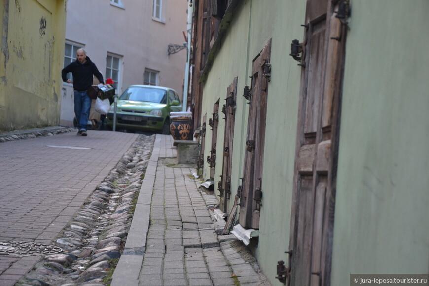 В общем,если говорить об улицах города,хочется заметить,что почти все дома в старой части города выглядят действительно старыми,или в приличном возрасте.Очень мало новостроя,я его почти не встречал.