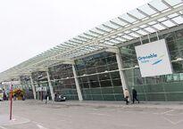 800px-Grenoble_airport.jpg
