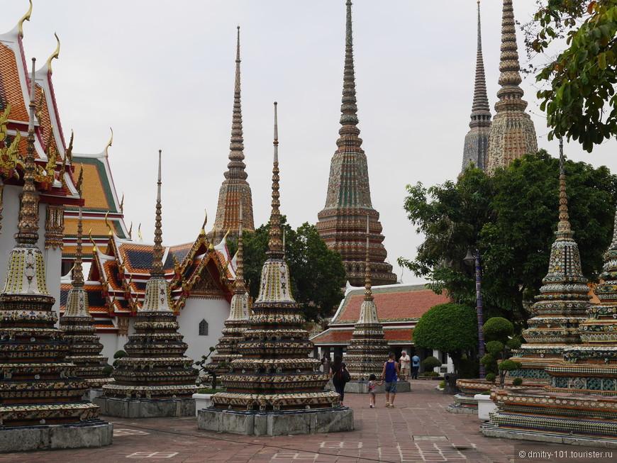 Ват Пхо. Большой и необычный храм.