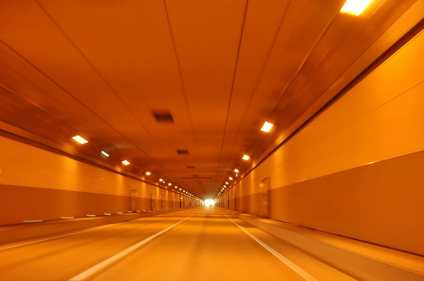 24. Ограничение скорости на некоторых участках установлено на уровне 110 км/ч, что очень удобно.