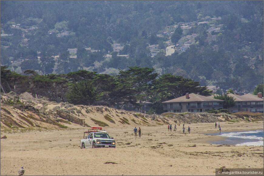 полиция бороздит просторы пляжей для и ради соблюдения порядка и безопастности отдыхающих