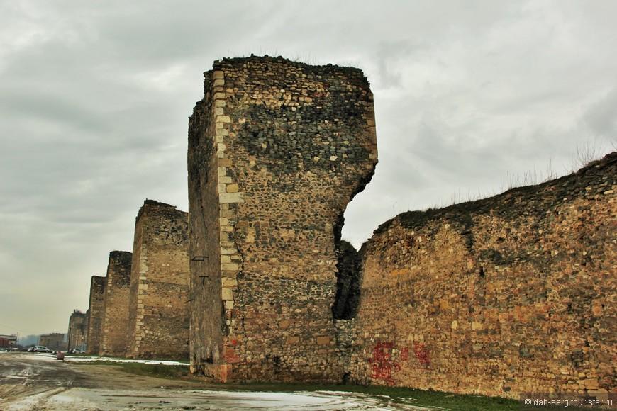 Самая главная достопримечательность города — Смедеревская крепость, построенная в 15 веке,