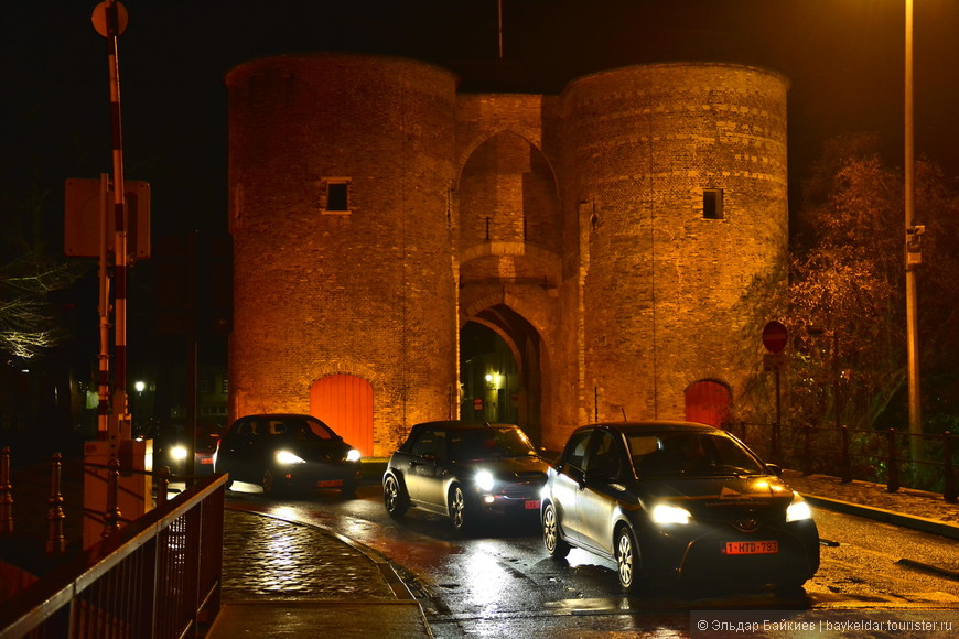 Старинные ворота в город Gentpoort