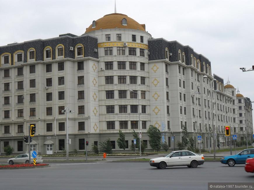 Еще жилые здания.