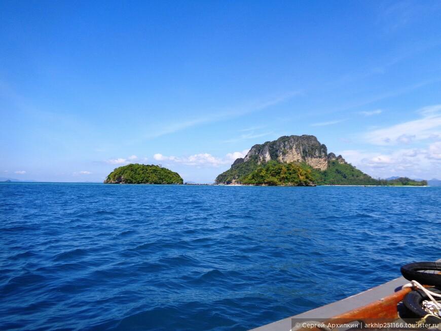 Сбоку остался пока остров Пода - он будет в конце экскурсии