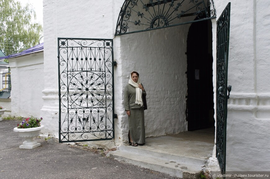 В нём не было монастырей, в которых писались летописи, поэтому документальных свидетельств о Палехе имеется не много.