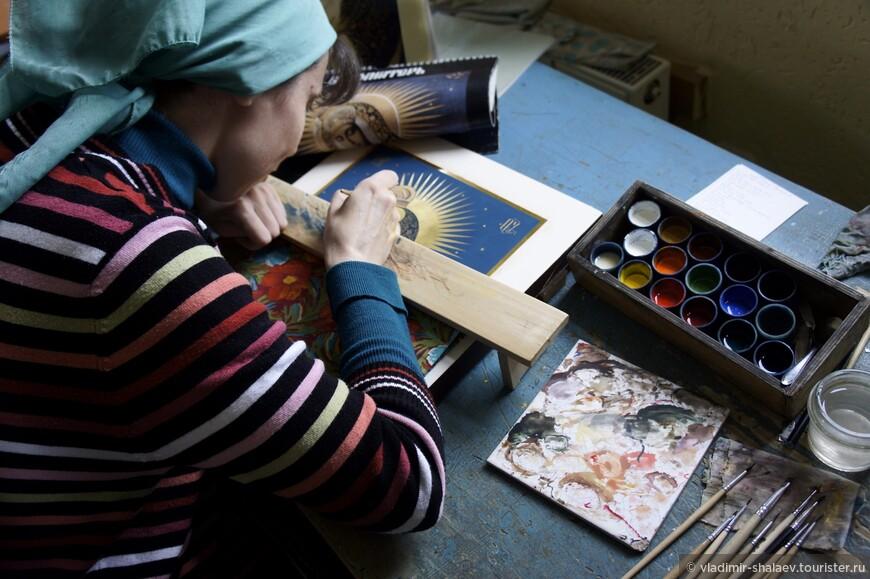 В начале 90-х годов XX века русская религиозная живопись в Палехе стала возрождаться.