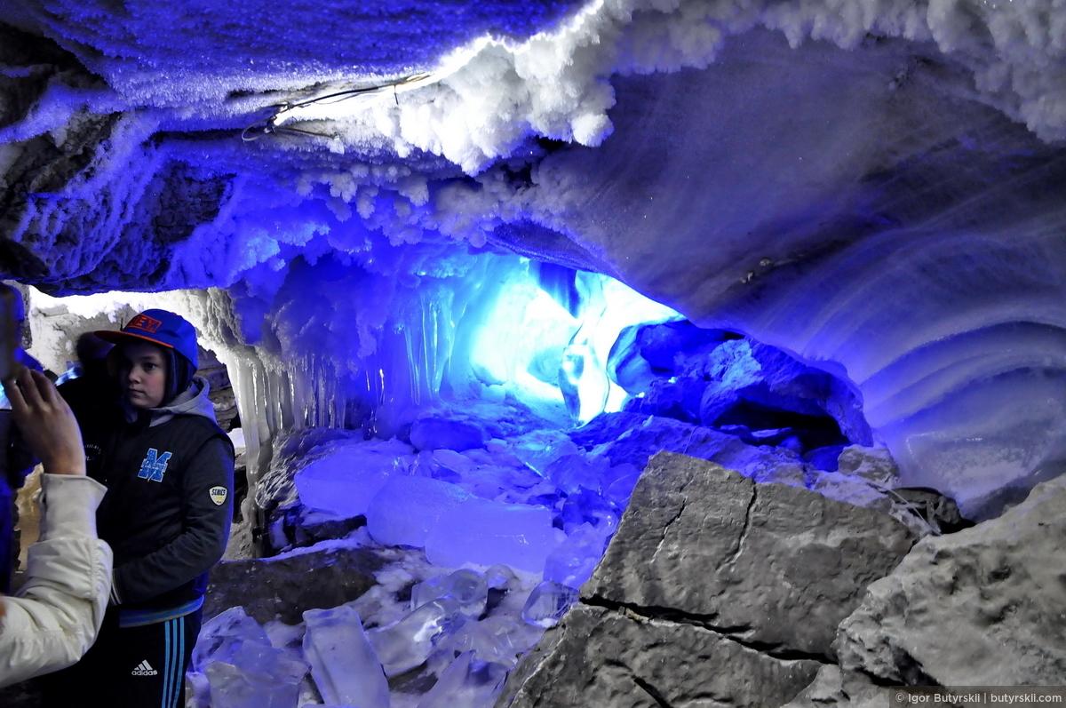 09. А ненавязчивая светодиодная подсветка выделит каждый грот по-своему., Кунгур — Ледяные пещеры