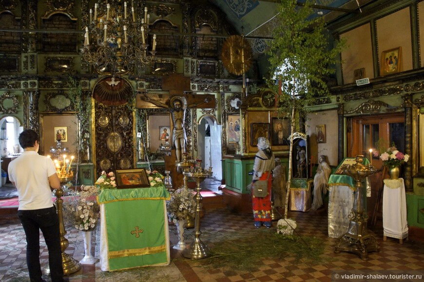Внутреннее пространство Введенской церкви.