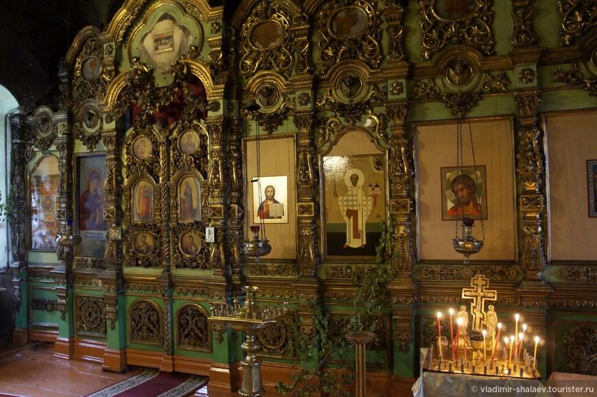 Иконостас Введенской церкви.