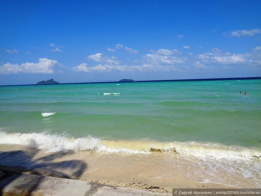 Этот пляж и бухта называются - Loh Bakao