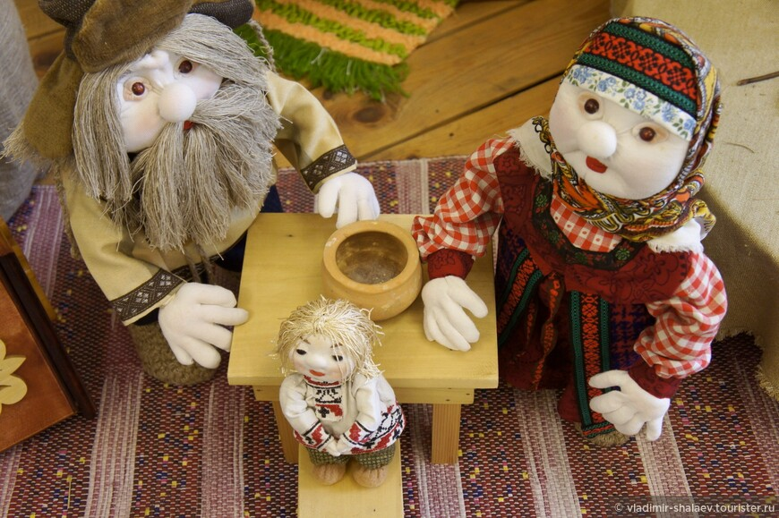 Здесь представлены куклы ручной работы.