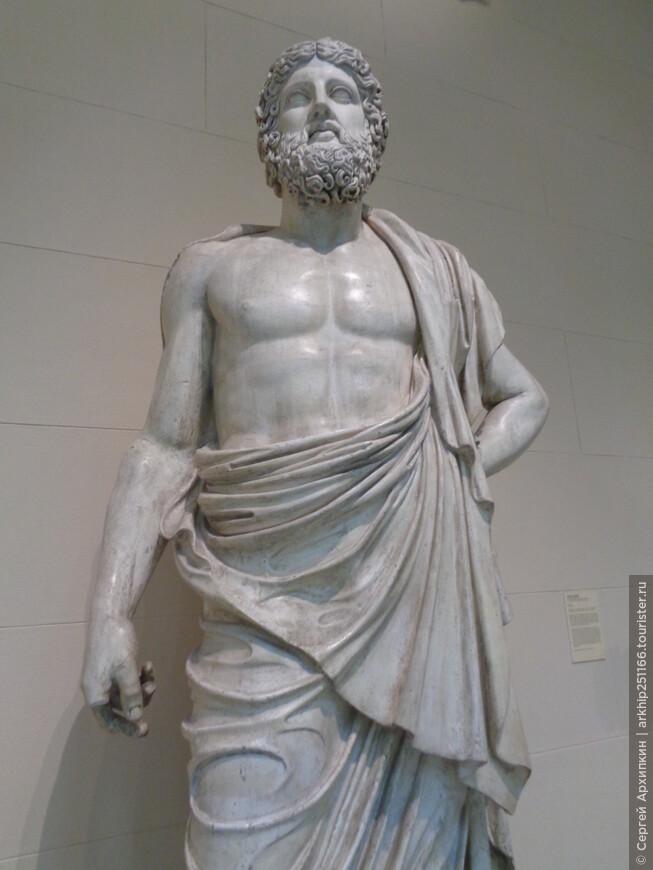 Сейчас коллекция музея насчитывает свыше 560 тысяч произведений живописи, графики скульптуры, памятников археологии и нумизматики