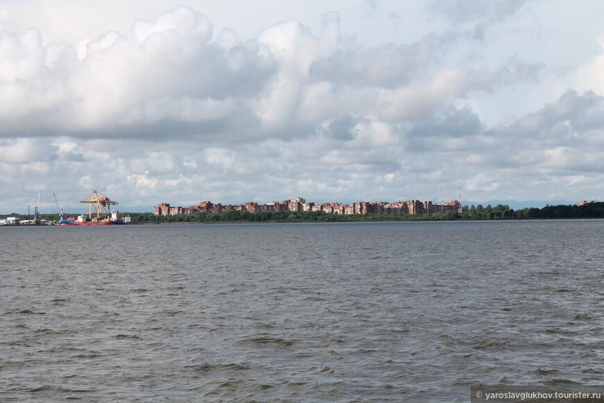 """Вид на новый район Кронштадта, который в народе называют """"Простоквашино""""."""